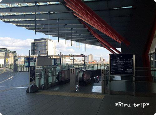 岐阜駅2階和傘の柱