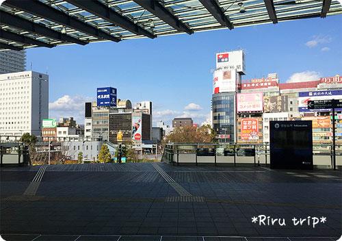 岐阜駅2階階段手前